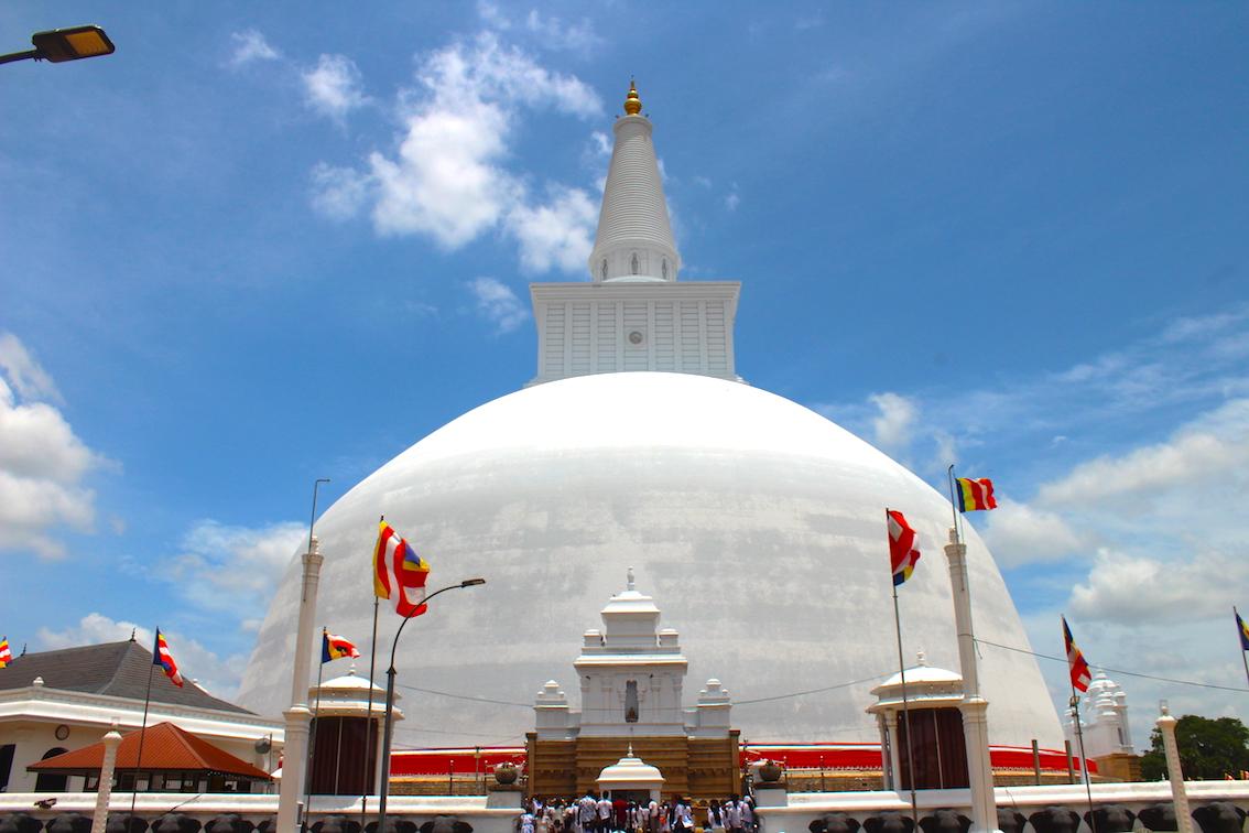 Sri-Lanka-Ruwanweliseya-Dagoba