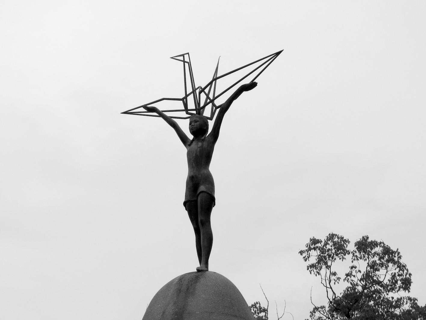 Hiroshima-Children-pace-monument-2