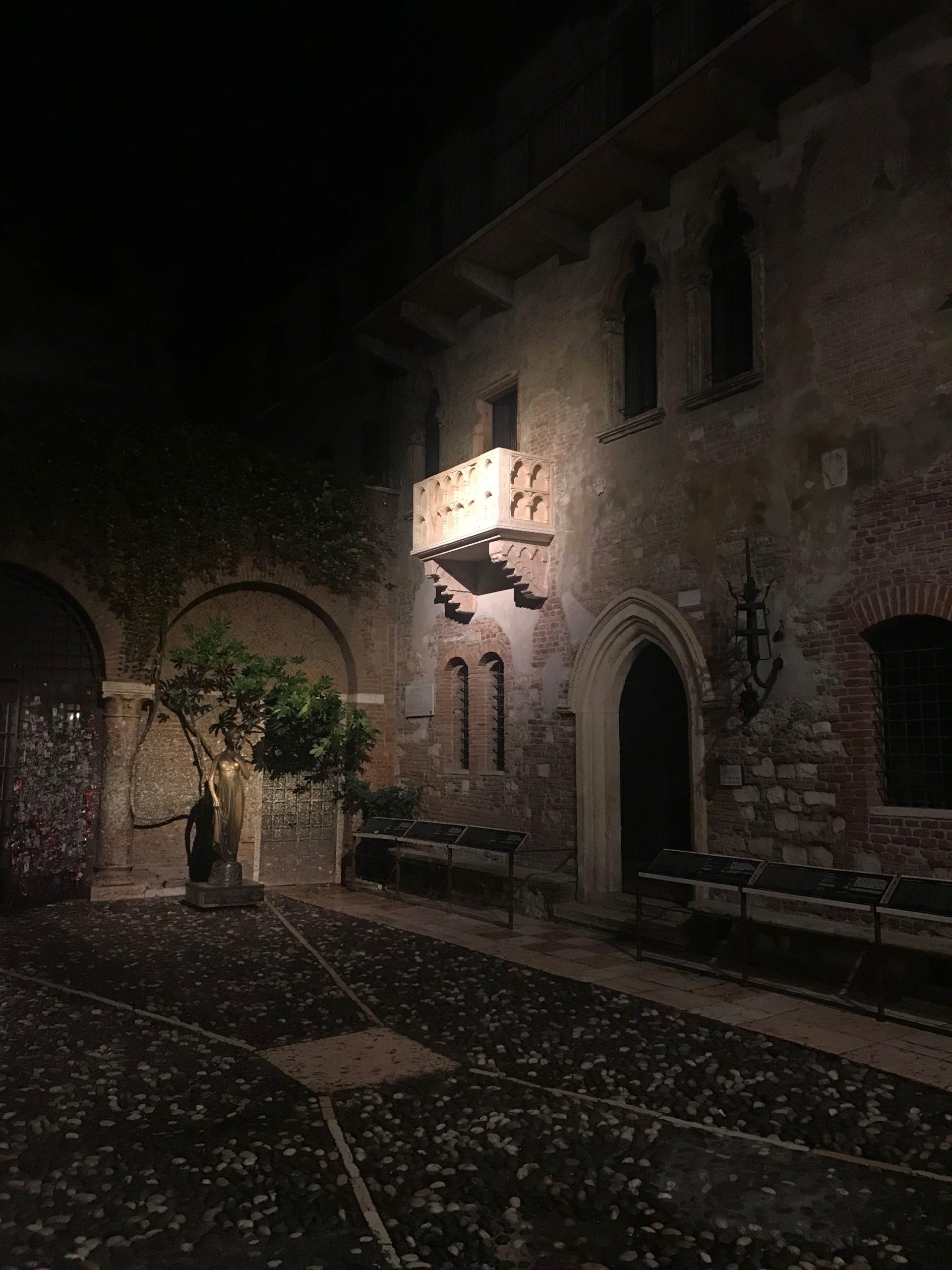 Balcone-di-Giulietta1-scaled